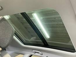 人気オプションの一つ【サンルーフ】搭載!開放感があり、車内も明るくなります!