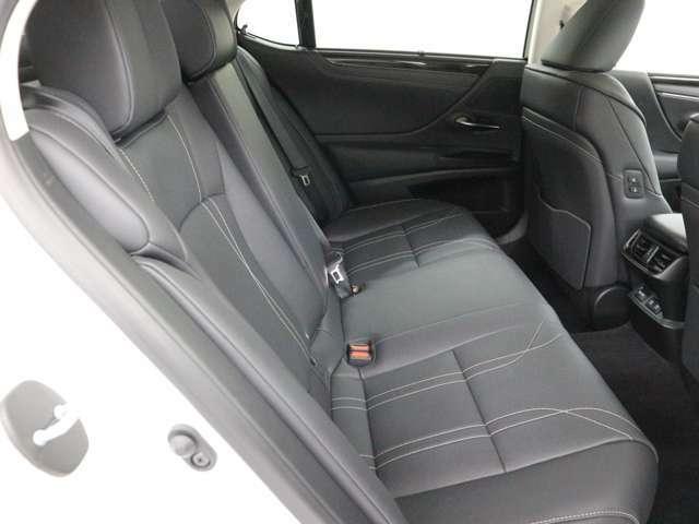 当社専門スタッフによる車のクリーニング済車です。シートやカーペットも除菌、抗菌加工済みです。