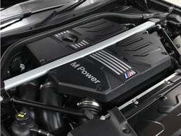 出力510ps 最大トルク/回転数kg・m/rpm 61.2/5950の、モンスターエンジンを心ゆくまでご堪能ください☆