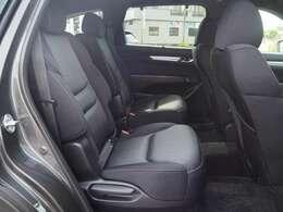 リヤシート。内装色はブラックになります。