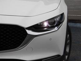 ★LEDヘッドライト★ヘッドランプユニットには、ハイビーム、ロービームともにLEDヘッドランプを採用!!明るい白色光で夜間走行時の高い視認性を確保し、省電力化で低燃費にも貢献します♪