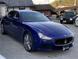 車体の色がブルーでかっこいい車両で大人気です。