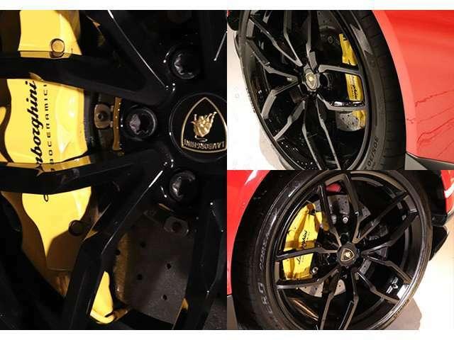 ブレーキにはイエローキャリパーのカーボンセラミックブレーキが標準装備。