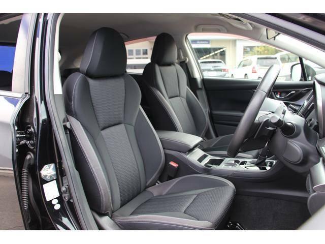 ゆとりある居住空間を実現。足元の広い前席はドライバーに最適なドライビングポジションを提供します。