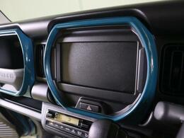 ココにカーナビゲーションがすっぽり収まります。2DIN規格のカーナビに対応します。なお、装着済み車は画像にて詳細をご判断ください。