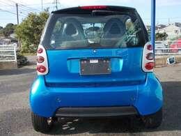 正規ディーラー車です。取説・整備手帳・新車時保証書あります。