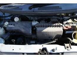 エンジン部画像です。およそ70km試乗も致しましたが、エンジンは吹け上がりもよく異音や白煙もありません。オートマもスムーズに変速します。冷暖房も問題ありません。