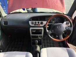写真はバンシートですが、納車時には純正ミラジーノのシートに変更いたします。