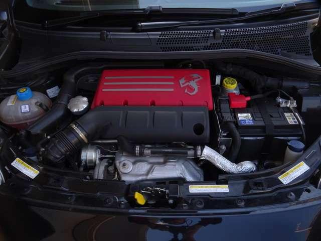 ではエンジンルーム、サソリの心臓部です。1400CCターボエンジン(続く)