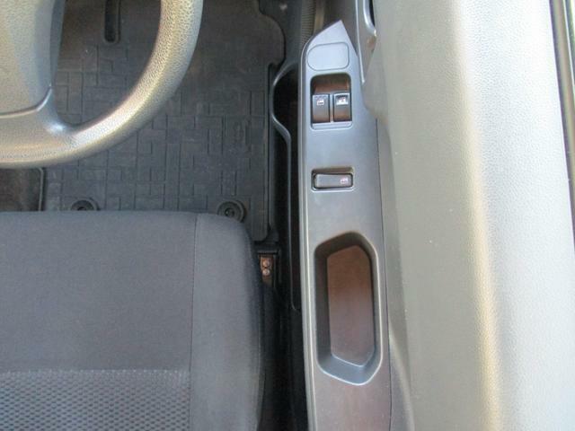 運転席ドアのパワーウィンドウスイッチです。