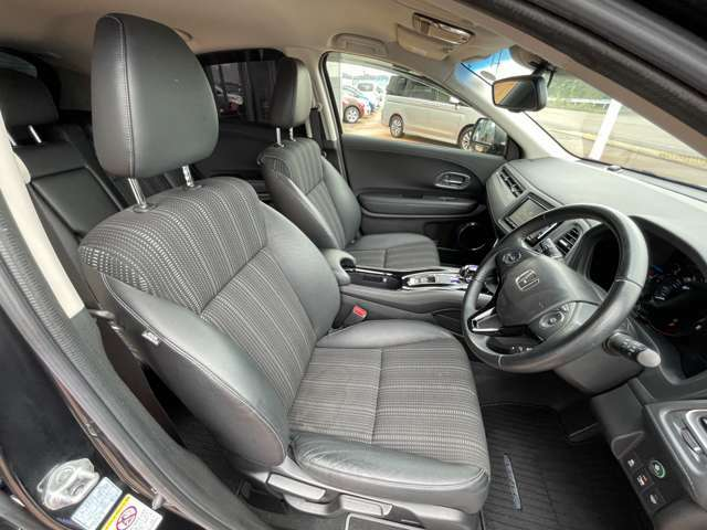 ◆運転席しっかりとしたシートでドライバーの疲労軽減に!!長距離もらくらく♪