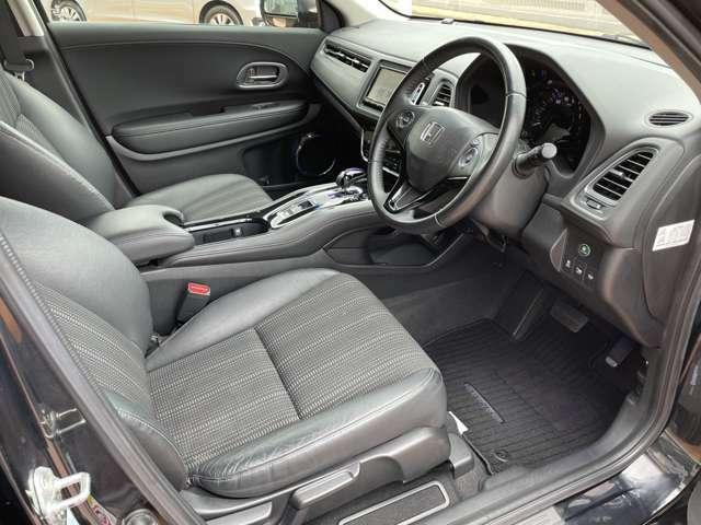 ◆運転席◆足元スペースも広々していて、座り心地も良く長距離でも疲れにくいです♪