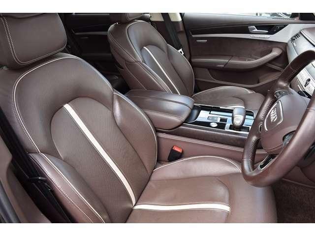 程好いホールド感を保つアウディのドライバーズシート。デザイン&耐久性も手抜きがありません。