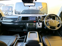 ハイエースワゴンFD-BOX2が店頭在庫車として完成しました