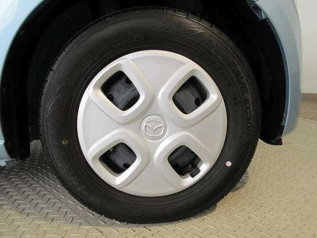 タイヤ溝は前後ともに5mmと十分に残っており、購入後も安心してお乗りいただけます♪