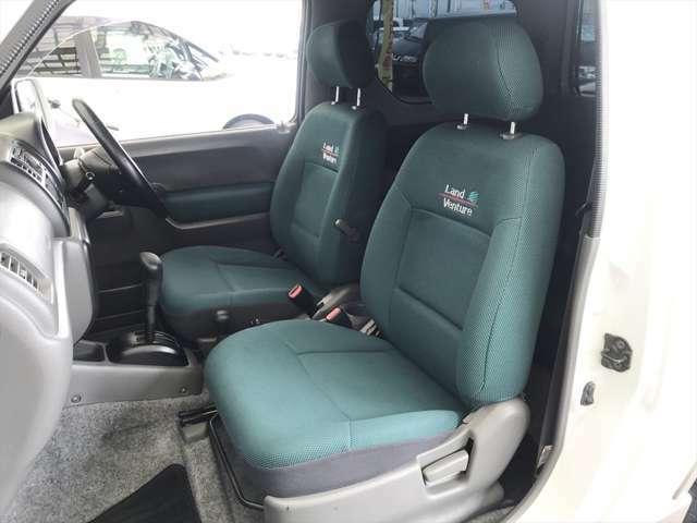 助手席もご覧のようにキレイです。シートカバーを外したから…ではなく、元々キレイに乗られていたんです。