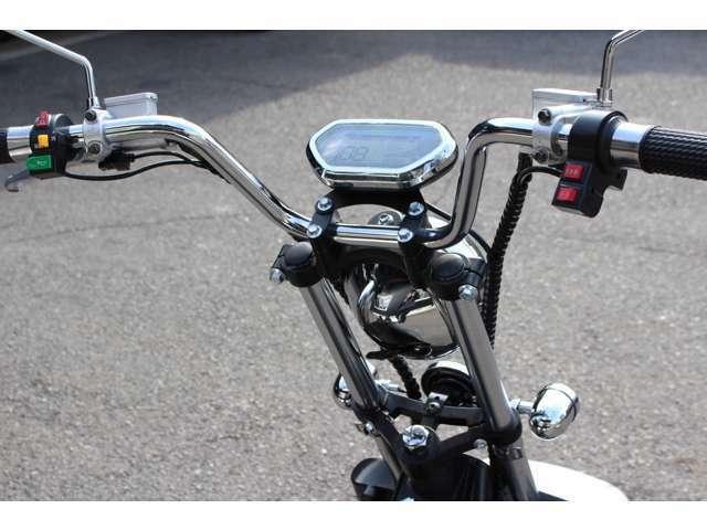 3段階の変速モード・LEDライト・ウインカー・ブレーキランプ・ナンバー灯・泥除けカバー標準装備!ミニカー登録・車検不要・ヘルメット不要・車庫証明不要・公道走行可!