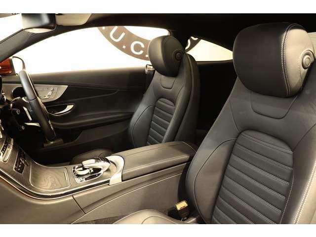 クオリティが維持された上質なブラックレザーシートを装備!メモリー機能付きパワーシート、シートヒーター、ランバーサポート機能を搭載しています!
