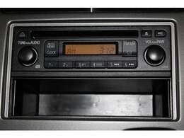 CDチューナー付き、ラジオ・CDが聞けます。