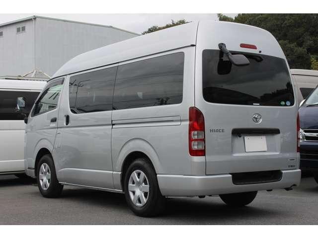 長さ:469cm/幅:169cm/高さ:224cm/最大積載量:1050[800]kg/車両重量:1950kg/車両総重量:3165[3080]kg/燃料タンク:70リットル/カラーナンバー:1E7