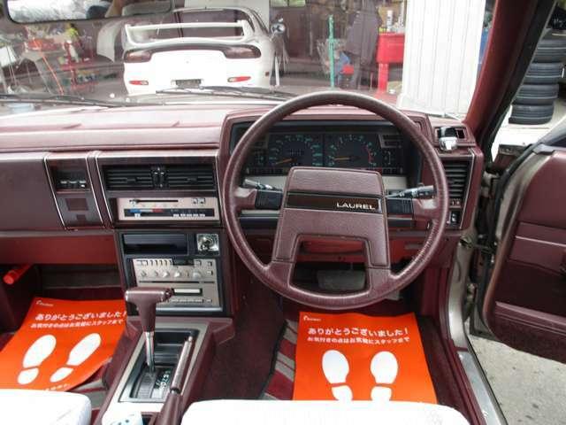 内装 とても綺麗な車両です 60年式とは思えない奇跡の状態だと思います。