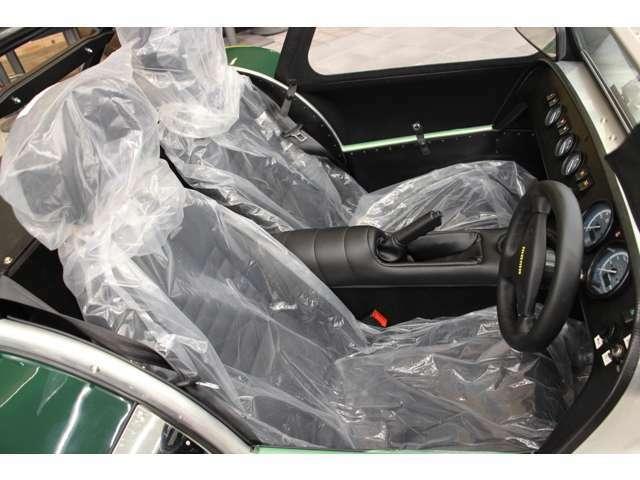レザーシートが標準装備となっております。シートコーティングも可能です。