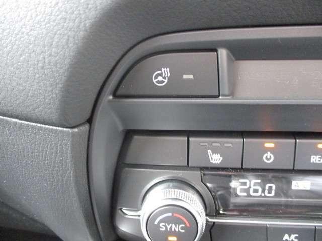 ◆ハンドル/シートヒーター◆寒い時期にはハンドルもシートも温まると嬉しいですね◆