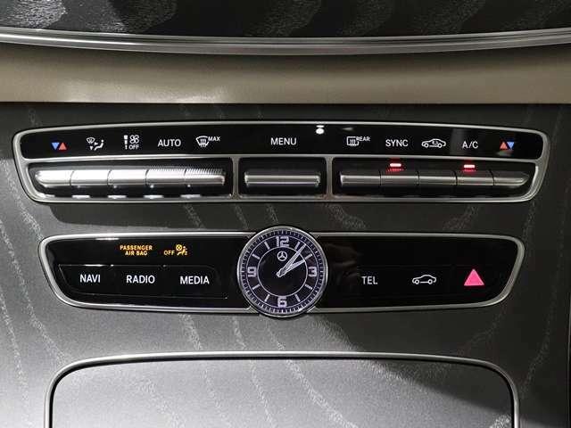 【ラグジュアリー車との相性の良いアナログ時計】時間の感覚を視認できるアナログ時計は、あると案外便利!