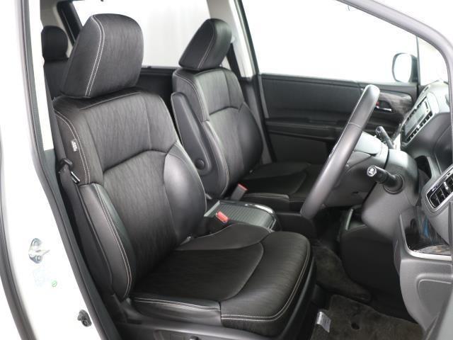 ホールド感があり、座り心地の良いシートでロングドライブも楽しめます。