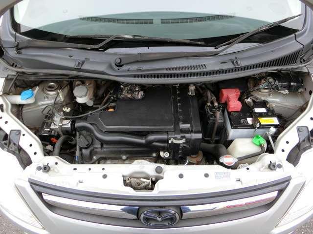 改造等されず純正の状態を保って乗られてきたのが分かるエンジンルーム!タイミングチェーン車なのでタイミングベルトのような10万キロでの交換が不要!