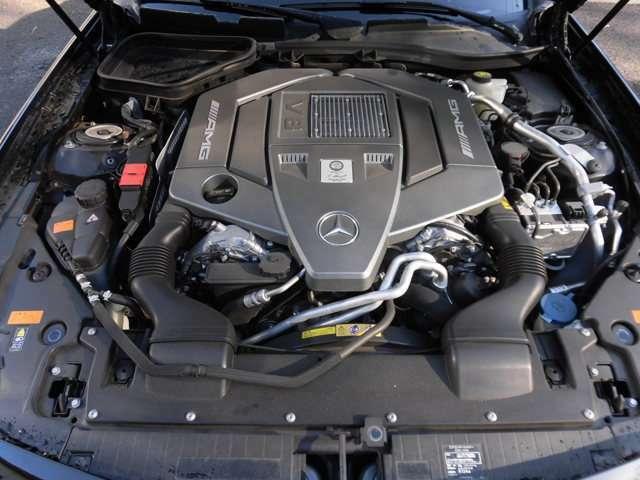 AMGオリジナル設計の特製6.2リッター自然吸気V8エンジンです!