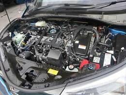 隅々まで綺麗に保たれたエンジンルームは、前オーナー様の管理がしっかりと行き届いている証拠です。隅々まで綺麗に保たれたエンジンルームは、前オーナー様の管理がしっかりと行き届いている証拠です。