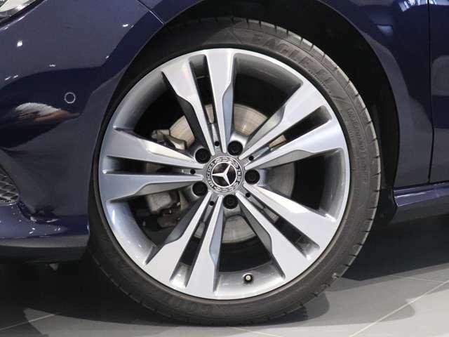 【 Mercedes-Benz純正アルミホイールを装着】18インチの純正アルミホイールを装着♪