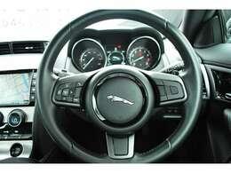 お車を綺麗に保つ為のボディコーディング、ルームコーティング、ホイールコーティングもお任せください。