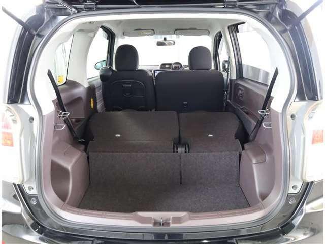 シートを畳むと大容量空間です!
