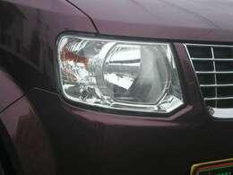 【ヘッドライト】ヘッドライトのレンズ部分は黄ばみもなく、クリアな状態です!ここが綺麗だと、車のパッと見の印象が結構変わりますよ!
