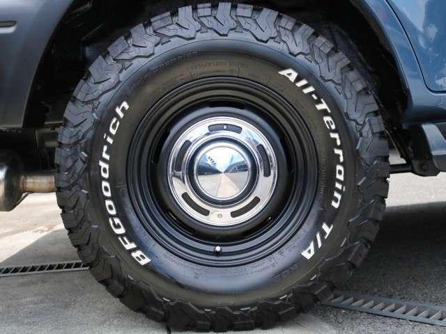 新品BFG AT 235/85R16 タイヤ&クリムソンディーン クロスカントリーアルミホイールのクラシカルコンビスタイルのカスタムです!