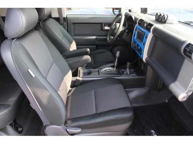 使用感の少ない綺麗なシート!大きめのシートでゆったりと座れます!!