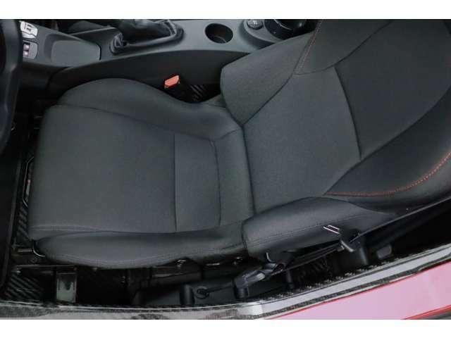 新車から6年経過しているお車ですが、評価点は外装5点/内装Aととても綺麗なコンディションを維持しているお車です。