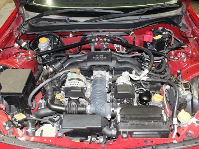 水平対向4気筒DOHC エンジン
