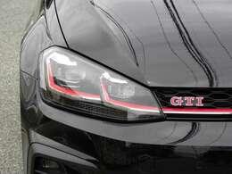 エクステリアに前回導入した限定車とは異なるデザインの専用19インチアルミホイールを装着し、視覚的に特別なGTIであることを表現しております!