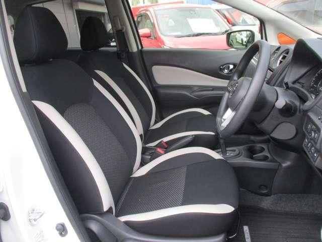 少し堅めのフロントシートは、ロングドライブ時の疲労を軽減致します♪