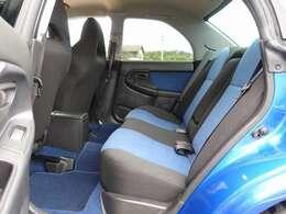 人気のWRブルーマイカ外装色 2003VLTD限定車の入庫!タイミングベルト、ウォーターポンプ、テンショナーも交換済みとなります。柿本マフラーやHDDナビゲーションなど多数の高額パーツを装備