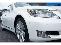 LS600H中期モデル!メーターやヘットライトのマイナーチェンジによりイメージが大分変ったモデルとなります!