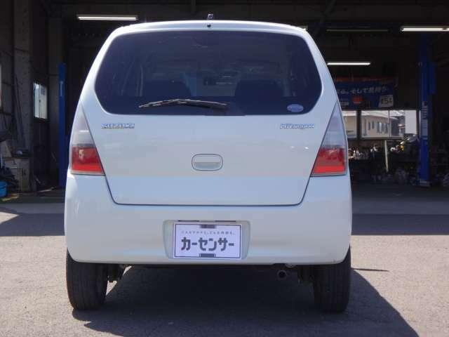 【県外対応】当社はキャリアカーを所有しているので、県外への納車や引取りも承っています。県外へのドライブ時にもしものトラブルが起こった時は迷わずご相談下さい。