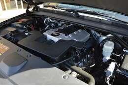 V8 6.2L OHVエンジンを搭載し車体の大きさを感じさせないトルクフルな走りで快適なドライブをお楽しみいただけます。
