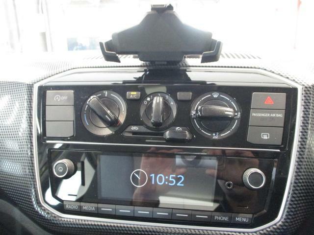 純正インフォテイメントシステムComposition Phone(5インチ カラーディスプレー、MP3再生、AMFMラジオ、SDカード、Bluetoothオーディオハンズフリーフォン)
