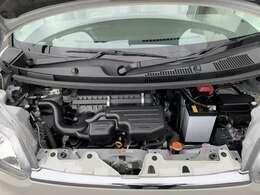 エンジンルームです。こちら、しっかりメンテナンスをさせて頂きました!エンジン内部の汚れはありません。安心して乗って頂ける1台です。