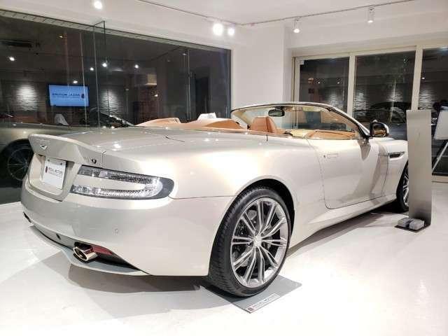 アストンマーティン社がQ by Aston Martinを利用してカスタマイズが施された1台となります。馬術がモチーフです。