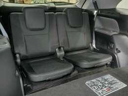 サードシート。ロングドライブが楽しくなります。